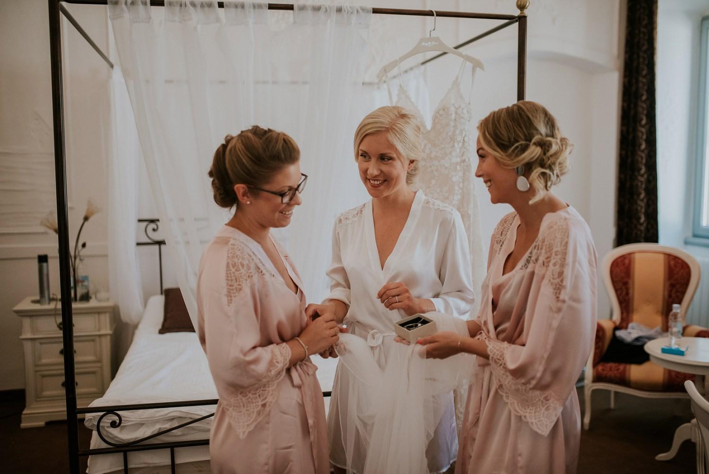 croatia-wedding-photographer-istria-motovun-kastel_0057.jpg