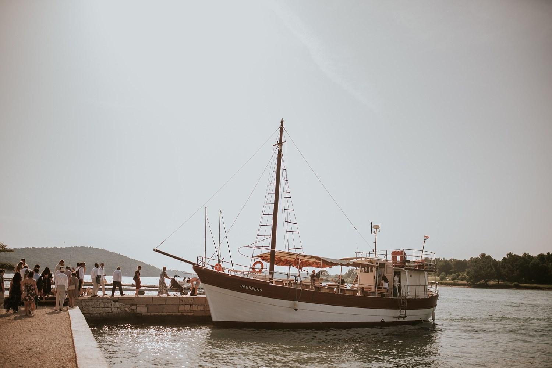 beach-destination-wedding-croatia-levan-island_0086.jpg